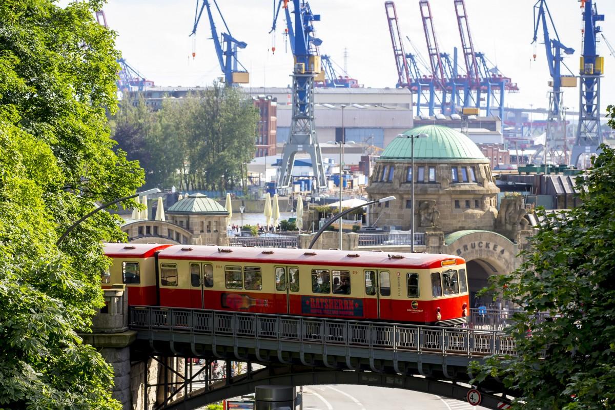 ハンブルクのノスタルジックな車両。©Hochbahn/Henning Angerer
